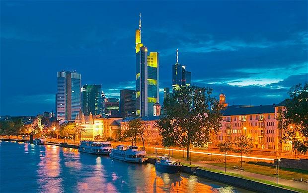 frankfurt-skyline_2003852b
